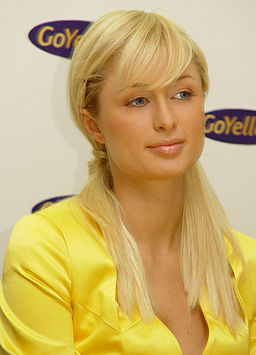 256px-Paris_hilton_universal_photo.jpg