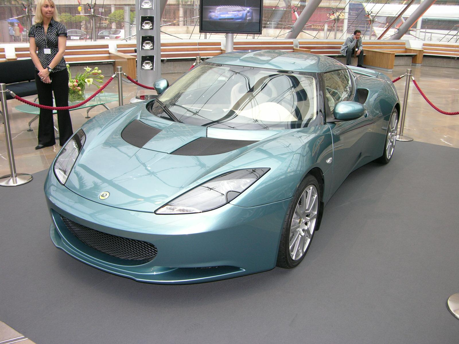 Lotus_Evora_-_Flickr_-_The_Car_Spy_(1).jpg