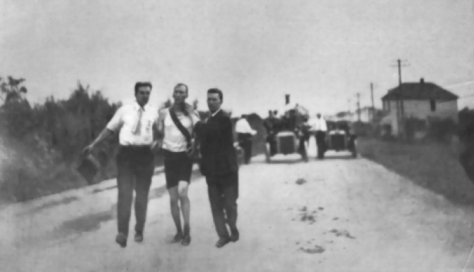 Marathon_Hicks1904.jpg
