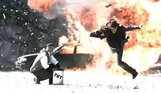 mythbusters-video-gallery-hollywood-explosion.jpg